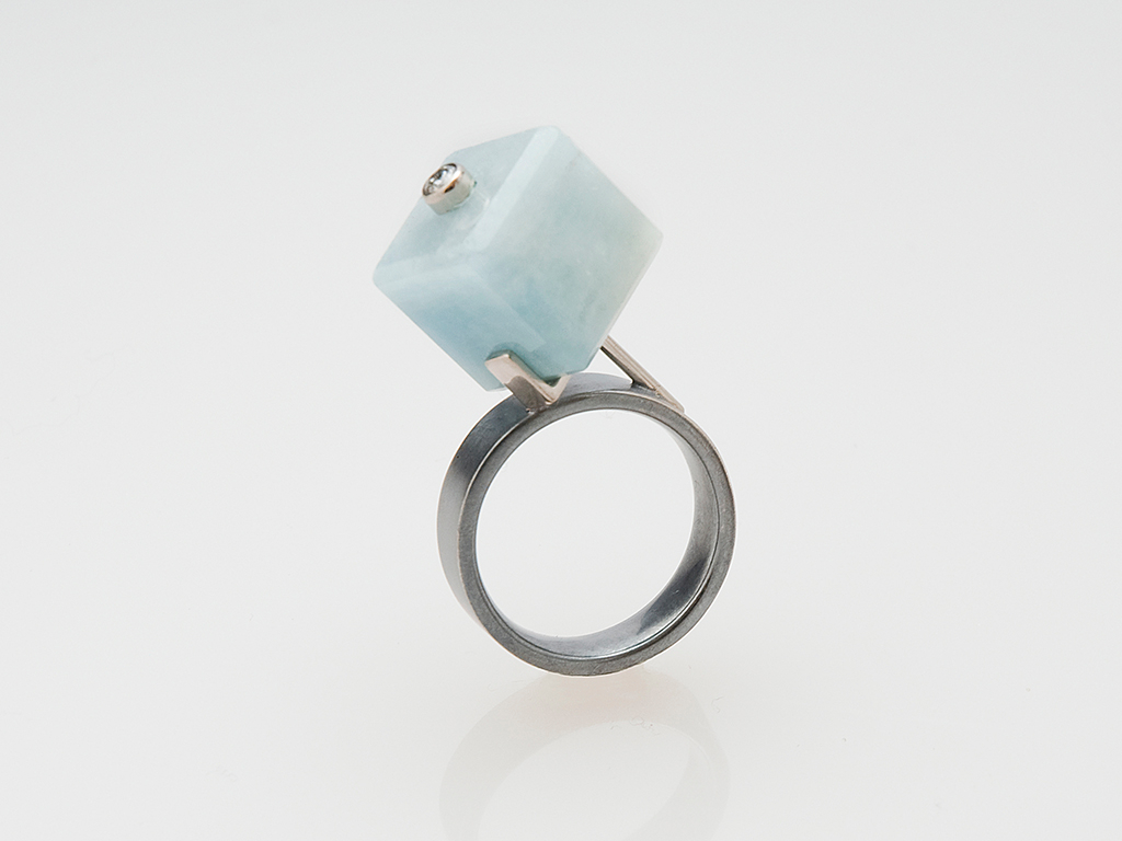 Ring oxidized sterling silver, 18kt white gold, aquamarine cube, diamond 0.11ct